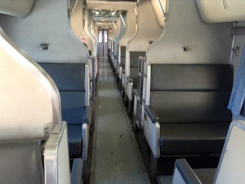 タイ国鉄の車内