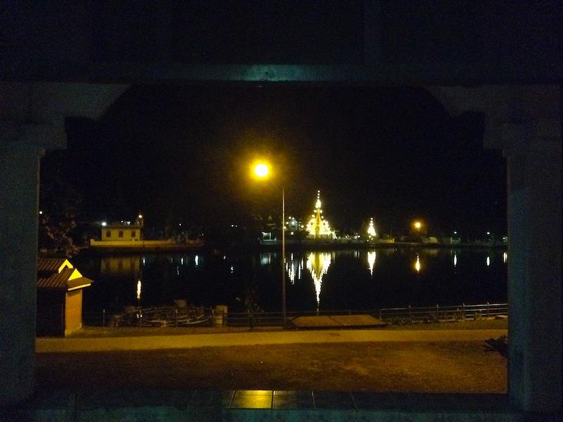 メーホンソンの夜景