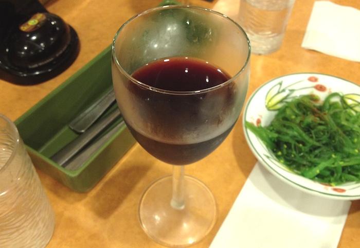 シンガポールのサイゼリヤの赤ワイン