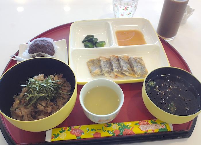 浜比嘉島のタコ飯