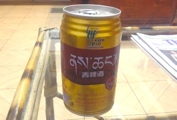 缶のチャン(青稞酒)