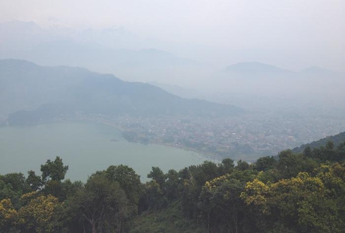日本山妙法寺からのフェワ湖
