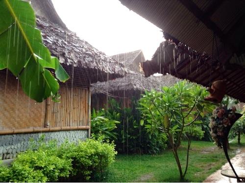 タイ旅行記8日目:部屋でくつろいでたら無断侵入された