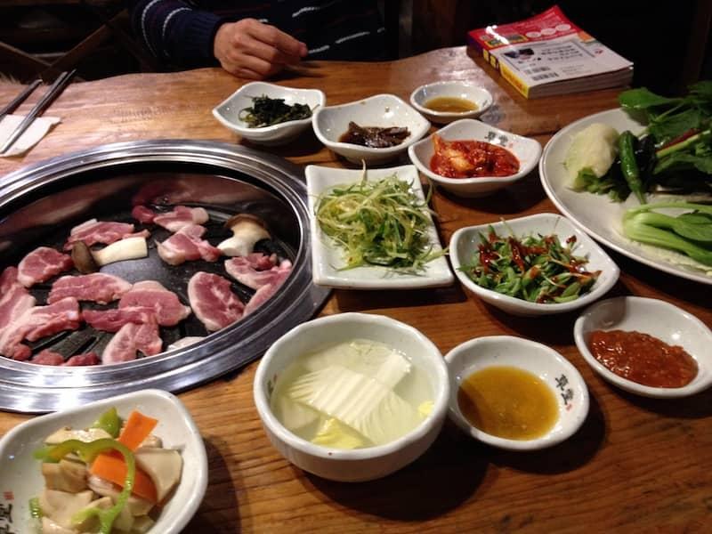 韓国でサムギョップサル